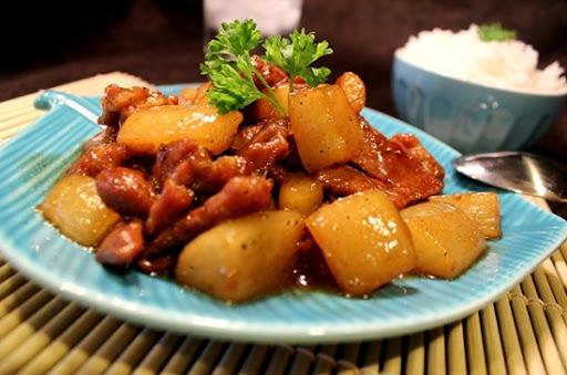 Thịt kho củ cải kiểu nhật