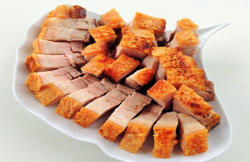 Thịt lợn quay với xôi vò